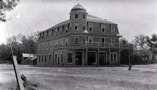 Idanha Hotel
